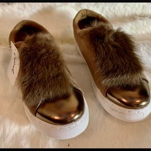NWT Qupid Bronze Sneakers with Rabbit Fur